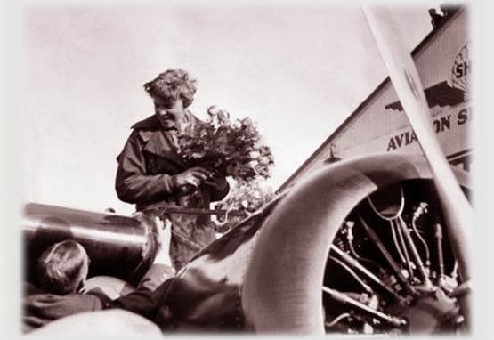 Amelia Earhart: Hawaii to California <br />(Literary Digest, 1935)