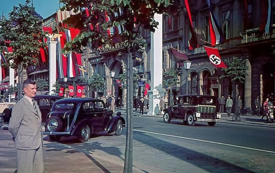 LIFE IN NAZI GERMANY | 1930S GERMANY - Magazine Article ...