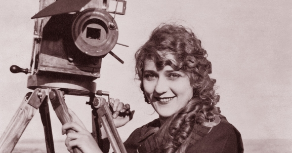 Mary Pickford: An Appreciation   <br />(Motion Picture Magazine, 1916)