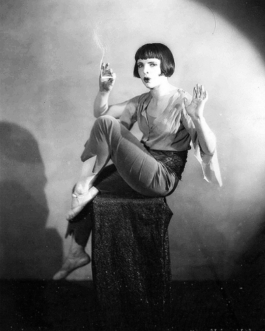 flappers 1920 smoking - photo #9