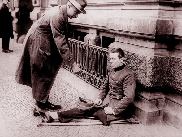 [Image: Weimar_Germany_economy-Kriegsinvalide_1920_588.jpg]