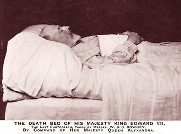 The Death of Edward VII & the Accession George V <br />(Review of Reviews, 1910)