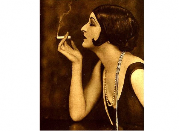 N.Y. Court Ruled That Women Can Smoke in Public  <BR> <br />(Hearst's Sunday American, 1917)