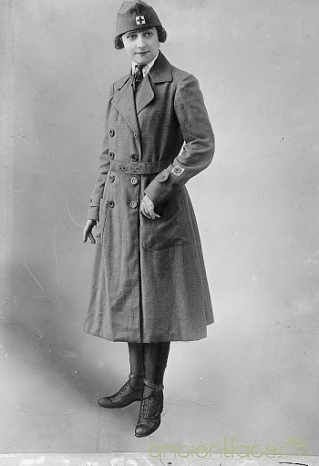 Trench Coats for Women  <br />(The Stars and Stripes, 1918)