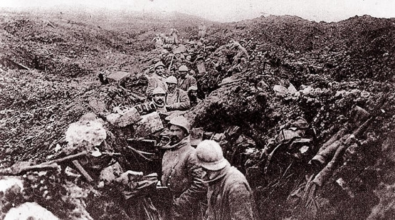 French Soldiers Desperate to Leave the Trenches  <br />(The Atlanta Georgian, 1917)