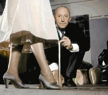 Down With Christian Dior and His ''New Look''! <br />(Rob Wagner's Script, 1947)